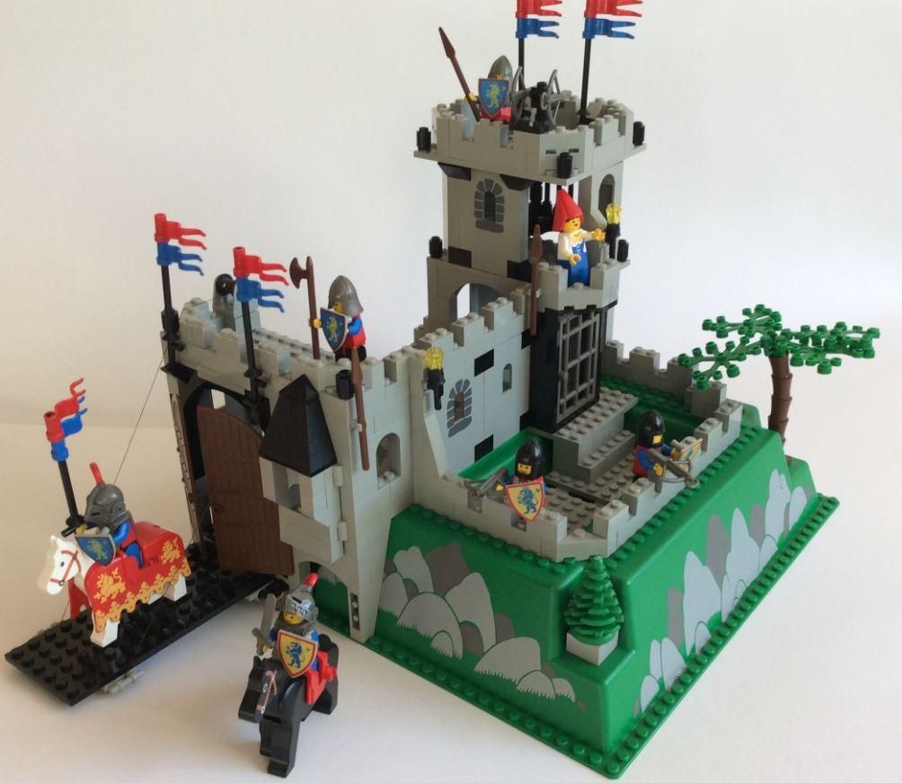lego castle 6081 ritter burg king 39 s mountain fortress lego bei gemeinschaft. Black Bedroom Furniture Sets. Home Design Ideas