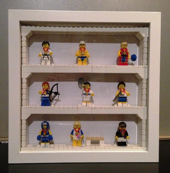 re vitrine f r minifiguren selbst bauen lego bei. Black Bedroom Furniture Sets. Home Design Ideas