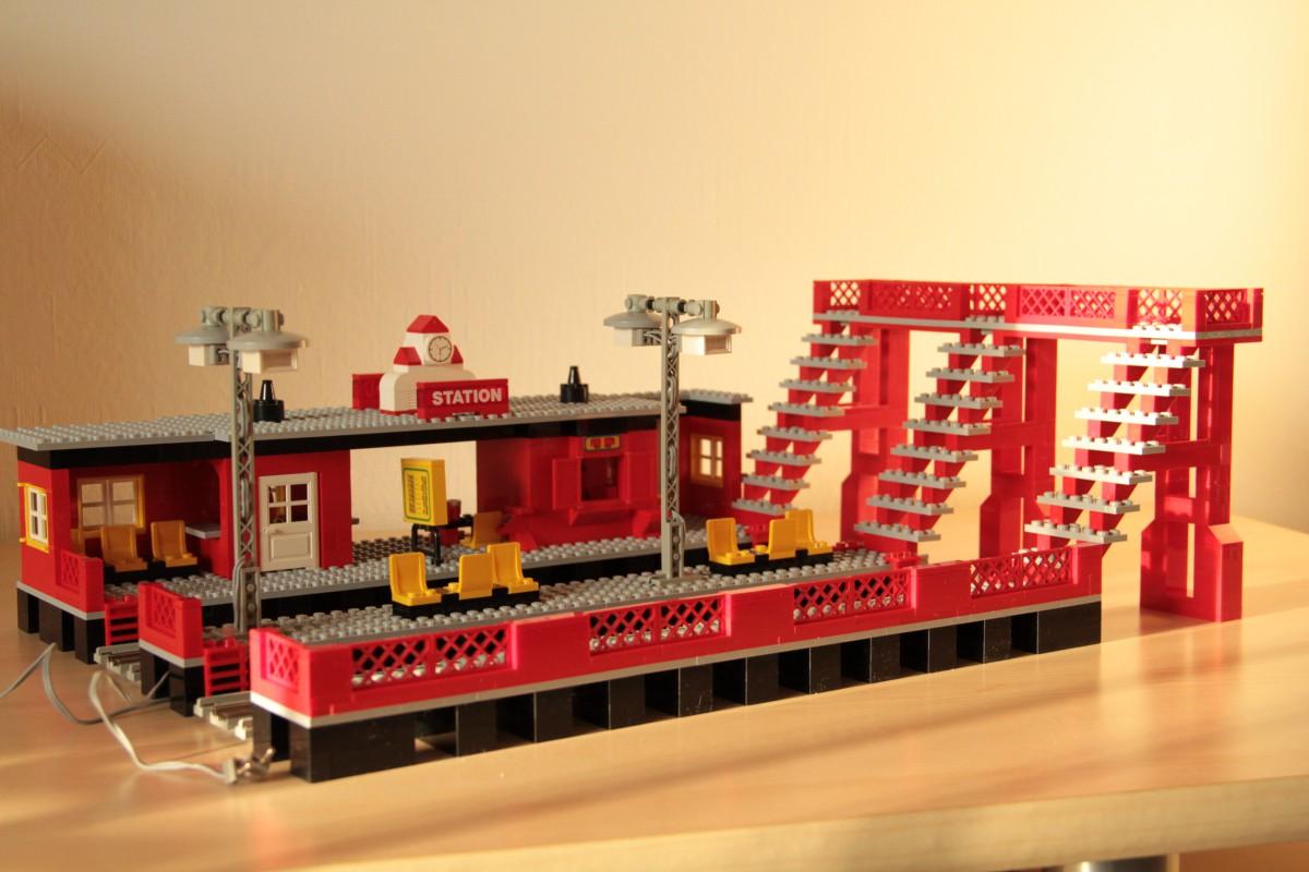 Re Lego Bahnhof 12v Eisenbahn Lego Bei 1000steinede