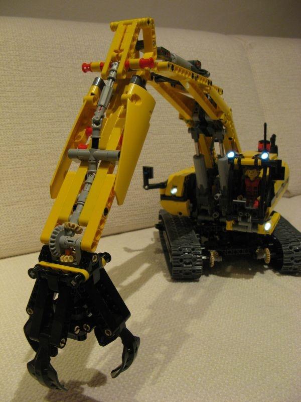 Gemeinsame 8043 Bagger Unterschied zwischen TLG und Jürgens Version :: LEGO #HE_34