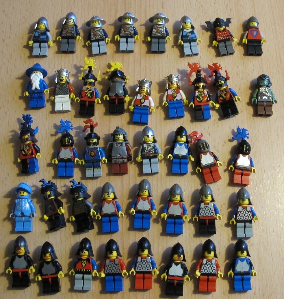 Viele Alte Ritter Und Noch Dfb Figuren Ohne Haare Lego Bei