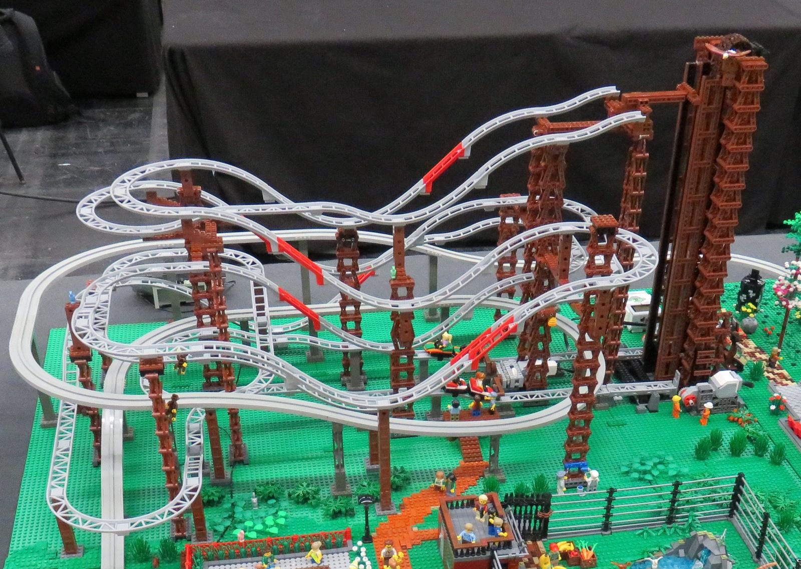 Doppel Achterbahn Mit Automatischem Aufzug Lego Bei 1000steinede